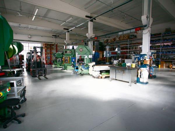 Lavorazione-acciaio-inox-Aisi-400-modena